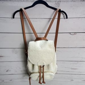 sherpa pouch backpack bag creme